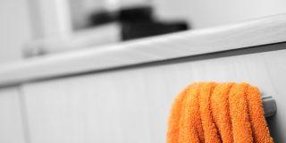 Oranssi pyyhe