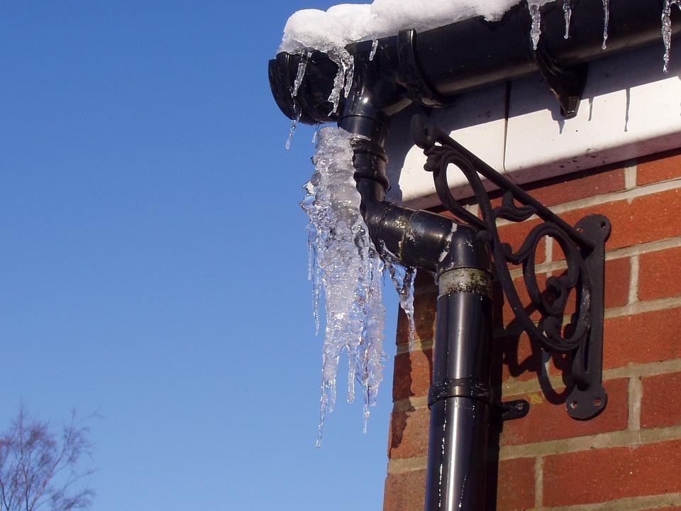 Talvipakkasten aiheuttamat ongelmat - Koti Puhtaaksi Oy